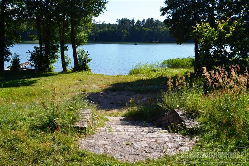 widok na wspólny dostęp do jeziora