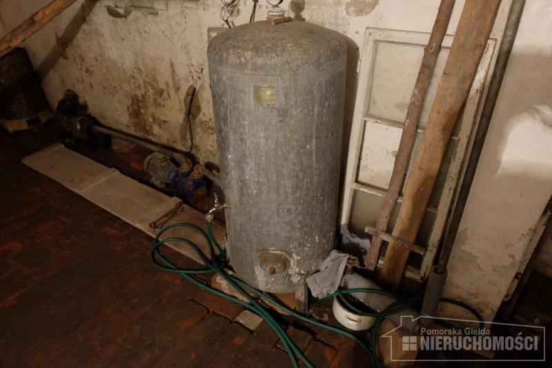 hydrofor w piwnicy