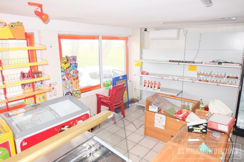 sala sprzedaży o pow. ok. 28,20 m2